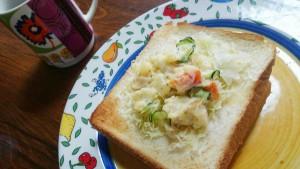 食パンアレンジキャベツとポテトサラダ