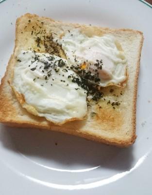食パンアレンジ冷凍卵