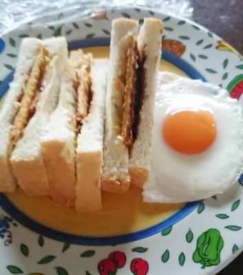 食パンアレンジ味噌カツサンド